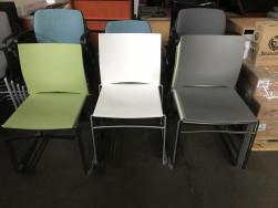 Szánkótalpas szék, rakásolható szék