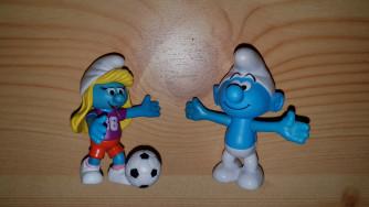 Hupikék Törpikékből 2db figura: Clumsy - Soccer Smurfette