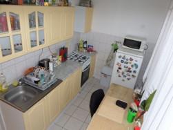 Berendezett, panelprogramos, 3 külön nyíló szobás lakás eladó