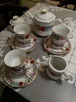 Kalocsai festett teás készlet