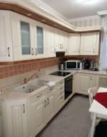 101276 Oroszlány központi részén erkélyes lakás!