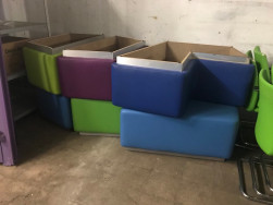 Közösségi bútorok