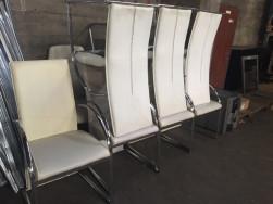 Magas támlás fehér bőr székek