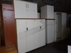 Fehér szekrények