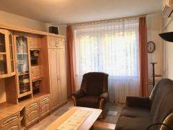 Kiadó bútorozott -gépesített 1+2 félszobás I. emeleti panel Kispest központjában!