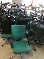 Zöld irodai guruló székek