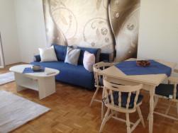 Bérbeadó -2 személy részére- kétszobás lakás az Óhegyen, a  X. Mádi utcában