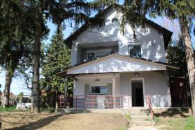 Felújított családi ház eladó!