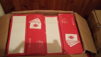 52 lapos francia kártyák műanyag dobozban