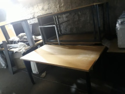 Fa mintás íróasztalok