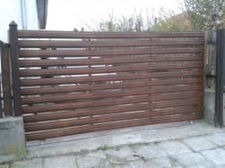 Kerítésléc gyártás horganyzott acélból, LE A FA LÉCKERÍTÉSSEL. Országos kiszállítással. 750 Ft/ m 0,5- 2,20 m magasságig, többféle lécvég, forma, cm p