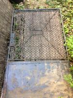 Komplett kerites 20 méter, nagy es kis kapuval, oszlapokkal, vasbol