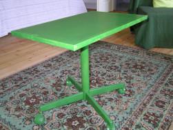 Kis guruló asztal, vas szerkezet