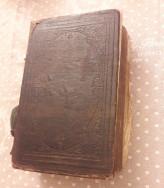 1857 Szent Biblia Károli Gáspár fordításában.