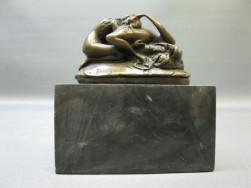 szep bronz intim szobor