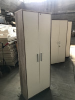 Polcos szekrény, fehér ajtós irodabútor