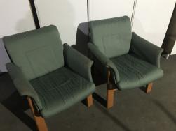 Karfás zöld fotelok, használt irodabútor
