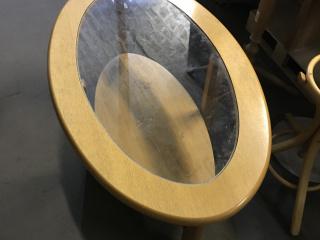 ovalis-formaju-dohanyzoasztalok