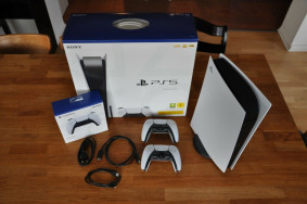 Sony Playstation 5 (Disc-Version) Console