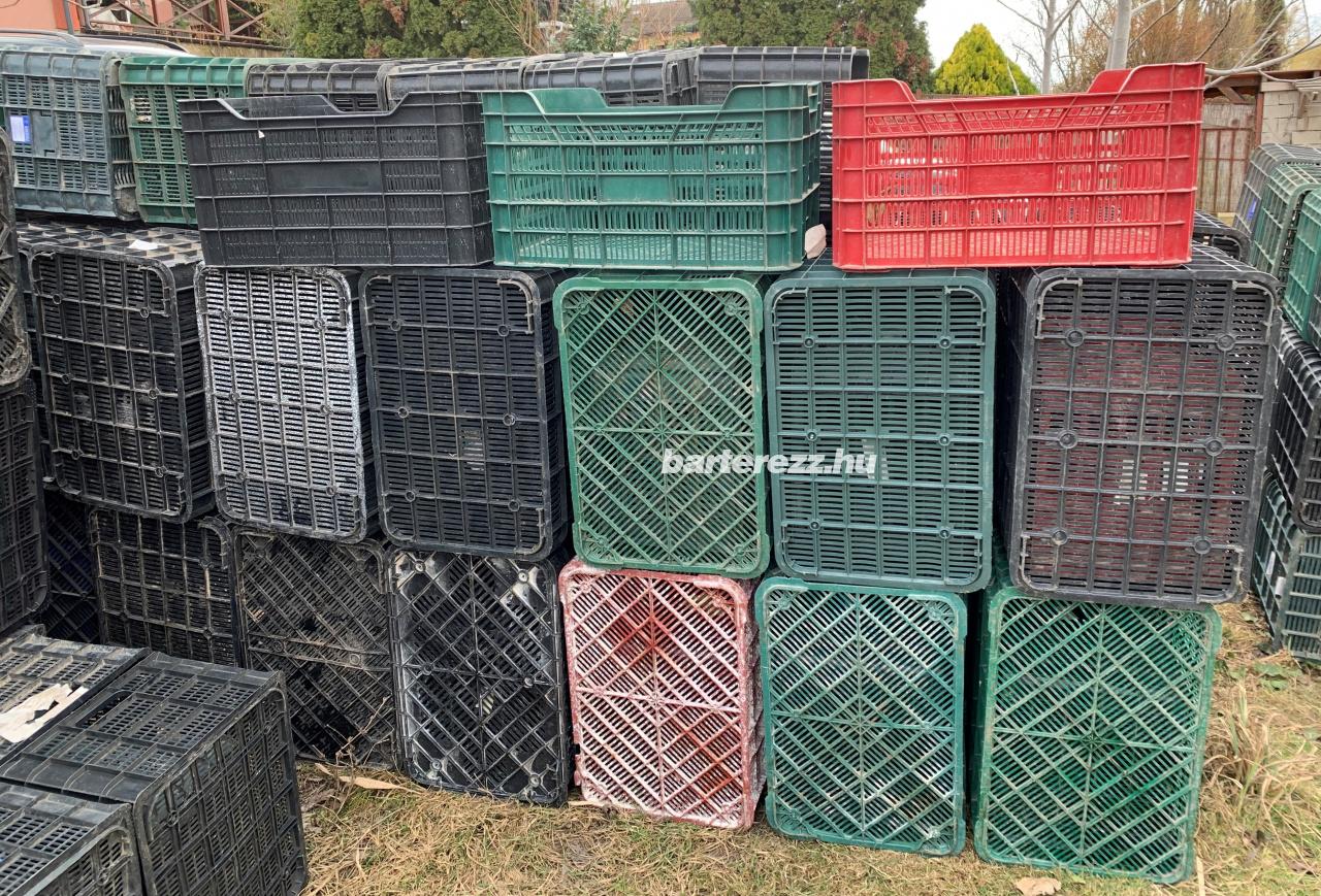 Műanyag zöldséges láda tároló rekesz doboz