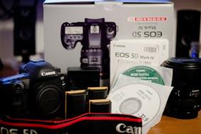 Canon EOS 5D Mark IV Full Frame Digital SLR Camera with EF 24-105mm II USM Lens